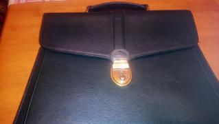 Beautiful leather dark green portfolio Holland